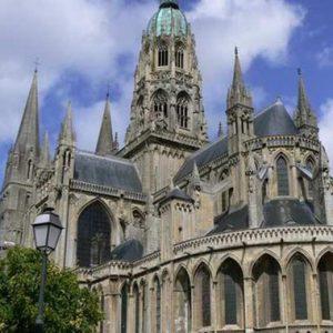 Conférence ''Objets d'orfèvrerie, trésors de la Cathédrale de Bayeux''