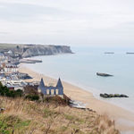 280px-Arromanches-les-Bains_port_artificiel_Mulberry